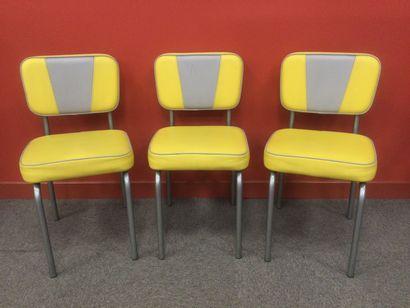 Ensemble de 3 chaises style années 50 rétro...