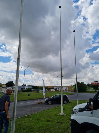 Ensemble de 3 mats porte drapeaux en fibre...