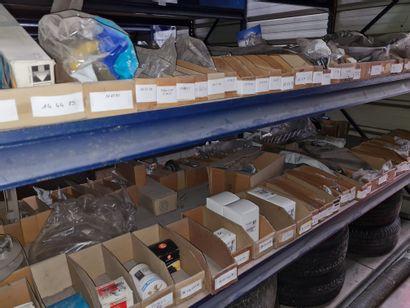Lot de pièces détachées actuelles pour la marque PEUGEOT.
