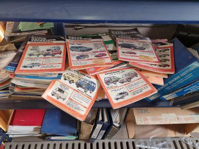 Important lot de documentations et revues...