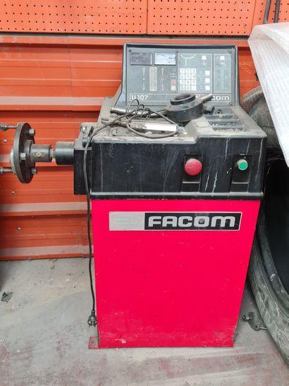 Equilibreuse de pneu de marque FACOM