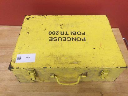 Ponceuse électroportative de marque FOBI modèle TR 280 dans sa caisse métalliqu...