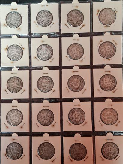 SUISSE,3 pages de classeur contenant 45 monnaie...
