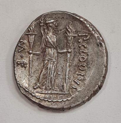 REPUBLIQUE ROMAINE - CLAUDIA - Denier argent - A/ Tête laurée d'Apollon à droite...
