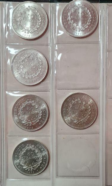 Classeur monnaies françaises modernes contenant...