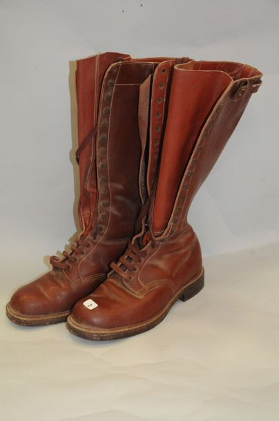 BOTTES CUIR A LACETS ANNEES 50 - TAILLE ...