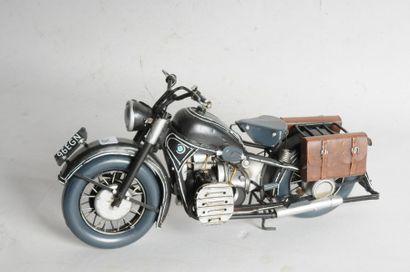 Maquette métal: BMW Bicylindre