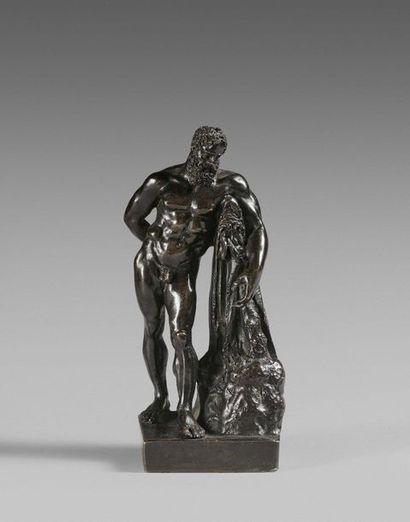 36- ''Hercule''  Sculpture en bronze dans...