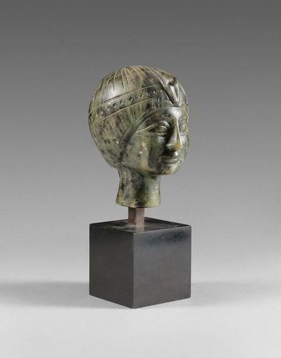 42- ''Tête égyptienne''  Sculpture en pierre...