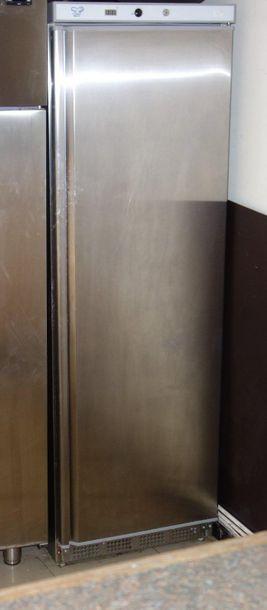 58- Réfrigérateur 1 porte en inox