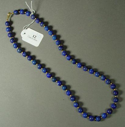 12- Collier en lapis-lazuli  Longueur : 62...