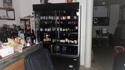 N° 4     Lot d'environ 120 bouteilles...