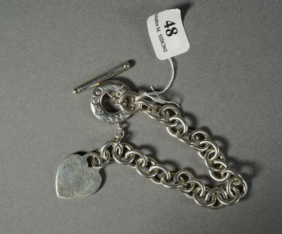 48- TIFFANY & Co  Bracelet à mailles entrelacées...