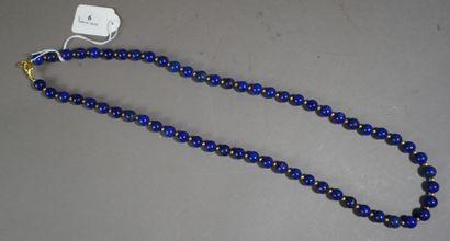 6- Sautoir en lapis-lazuli  L : 78 cm