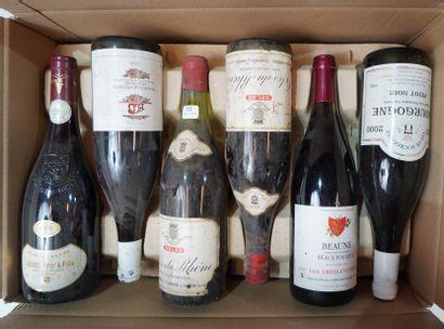 32- 12 bouteilles de vins divers : Rosé des...
