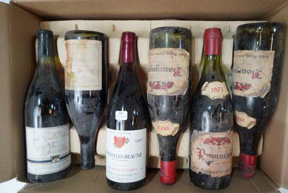 31- 12 bouteilles de vins divers : Maranges,...