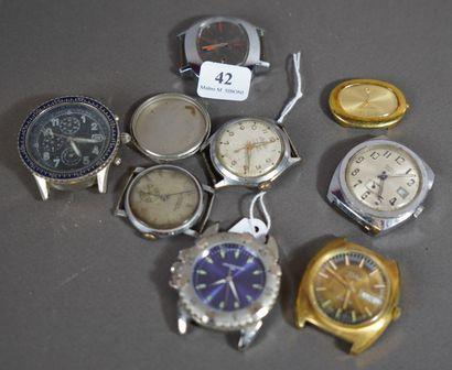 42- Lot de huit boîtiers de montres