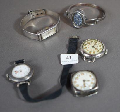 41- Lot de cinq montres diverses