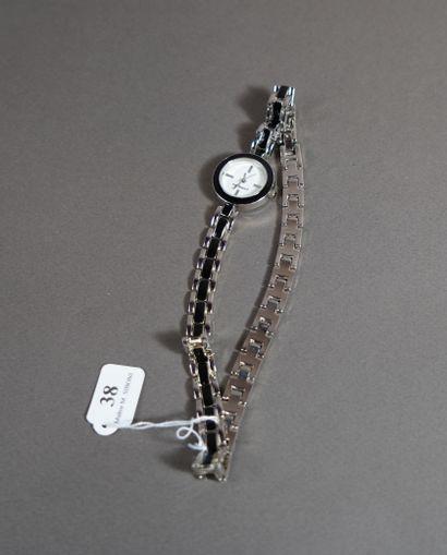 38- CACHAREL Montre de dame à double bracelet...