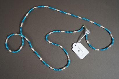 9- Sautoir de perles turquoise et perles...