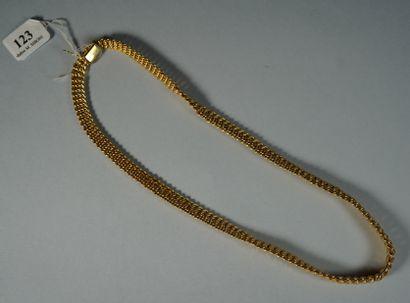 123- Collier en or jaune, maille américaine...
