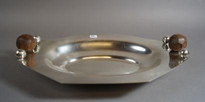 408- Plateau ovale en métal argenté et prises...