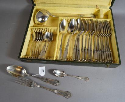 358- Partie de ménagère en métal argenté...