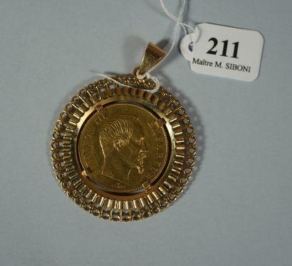 211- Pièce de 50 F en or datée 1855 montée...
