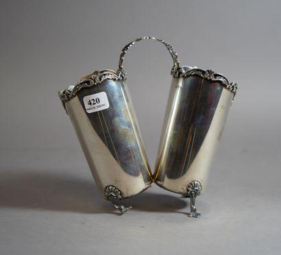 420- Double vase en argent  (pied à redresser)...