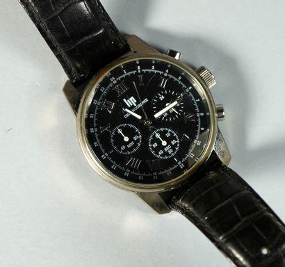 27- LIP  Montre d'homme chronographe à quartz  Bracelet cuir
