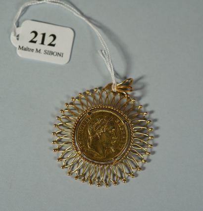 212- Pièce de 20 F en or datée 1866 montée...