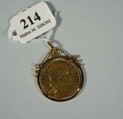 214- Pièce de 20 F en or datée 1914 montée...