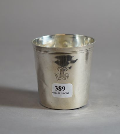 389- Timbale en argent  Pds : 65 g