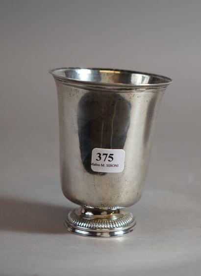 375- M.O. L.B.J.  Timbale en argent à décor...