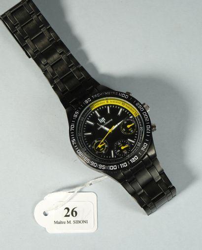 26- LIP  Montre chronographe  Bracelet acier