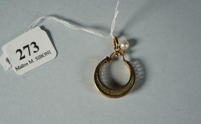 273- Pendentif en or jaune et perles  (créole...