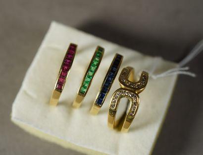170- Bague en or jaune sertie de diamants...