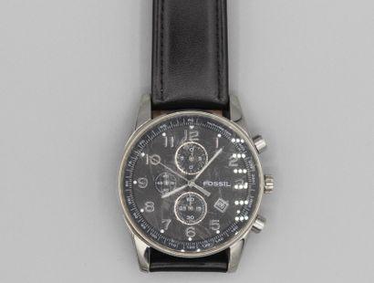 197- FOSSIL  Montre en acier sur bracelet...