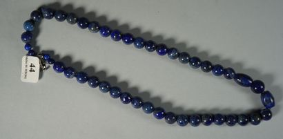 44- Collier de boules de lapis-lazuli, motif...