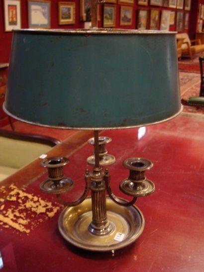 Lampe bouillotte en bronze argenté, abat-jour...