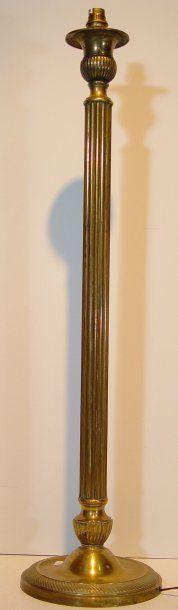 Pied de lampe en bronze doré Ht : 77 cm