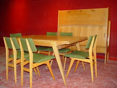 Mobilier de salle à manger en chêne comprenant...