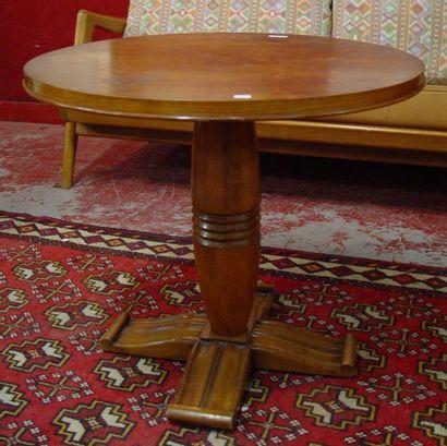 Table basse de femme ronde en bois de pl...