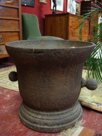 Important mortier en fonte de fer. XVIII...