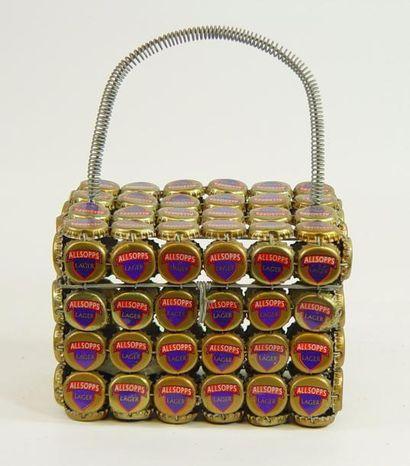 Sac en fils de fer et capsules «Lager» 11...