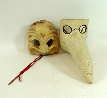 Deux masques vénitiens