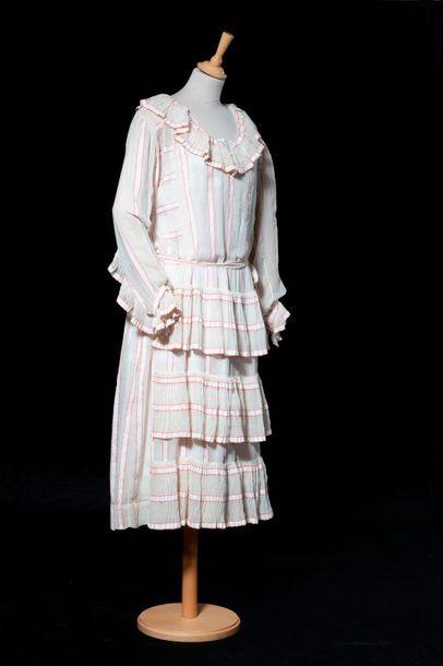 Elégante robe d'été en mousseline de coton...