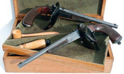 Paire de pistolets d'assaut en coffret. (Vers...