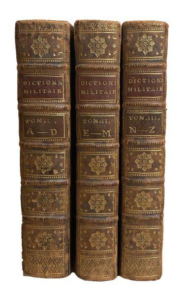 (DE LA CHESNAYE des BOIS). Dictionnaire militaire...