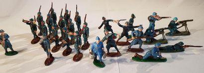 QUIRALU. XXème siècle. 1ère Guerre Mondiale. Infanterie en uniforme bleu horizon....